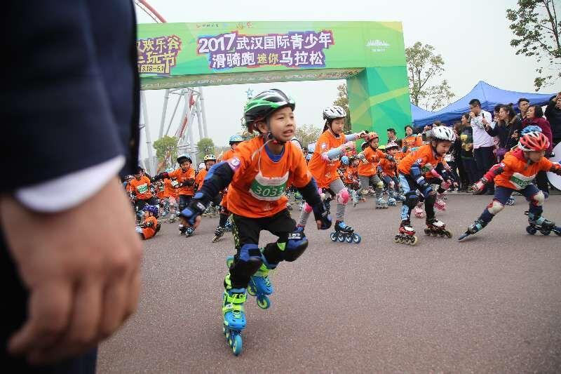 世界视频炫技同台武汉小小滑骑跑迷酷在这里冠军磅车图片